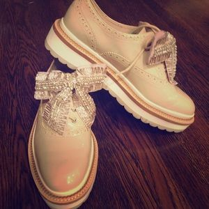 New Listing💎 Patton leather oxfords with bows